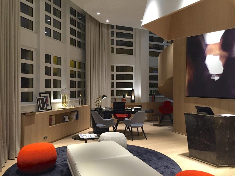 le cinq codet le nouvel h tel chic paris. Black Bedroom Furniture Sets. Home Design Ideas