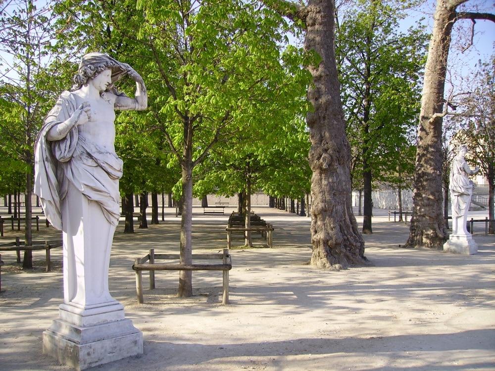 Le jardin vauclair bar ph m re du renaissance paris vend me for Jardin jardin tuileries