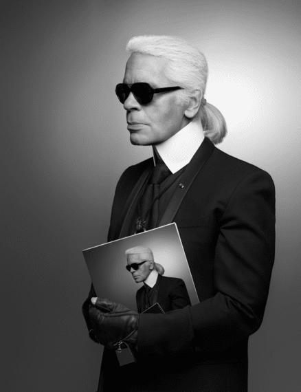 Karl Lagerfeld Autoportrait 2013 • Impression jet d'encre noir et blanc sur papier Fabriano • 50 x 70 cm © 2015 Karl Lagerfeld