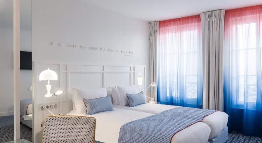 Le 34B, un hôtel Bleu-Blanc-Rouge - Mon Paris Joli