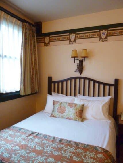 Disney's Sequoia Lodge 4