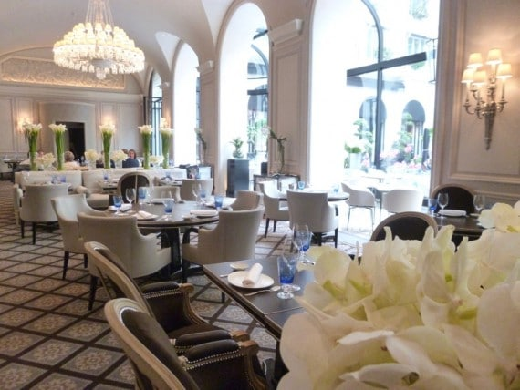 Restaurant Le george Four seasons paris 32