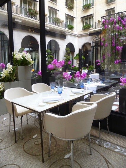 Restaurant Le george Four seasons paris 5